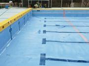 浜松市内の市民プールの洗浄