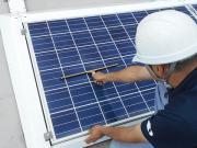 太陽光パネル洗浄作業