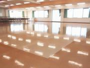 富士市リハビリテーション専門学校 床洗浄作業
